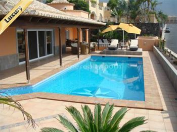 Villa 1690000 Euros 3 Bedrooms 3 Bathrooms Reference 300-372 Build: 300 m2