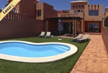 Villa 755000 Euros 3 Bedrooms 3 Bathrooms Reference 300-422 Build: 140 m2