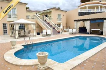 Villa 995000 Euros 3 Bedrooms 2 Bathrooms Reference 300-442 Build: 400 m2