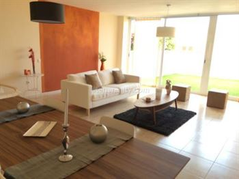 Townhouse 327600 Euros 3 Bedrooms 3 Bathrooms Reference 300-445 Build: 98 m2