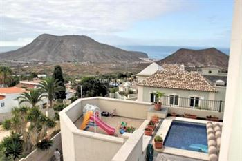 Townhouse 360000 Euros 3 Bedrooms 4 Bathrooms Reference 300-452 Build: 122 m2