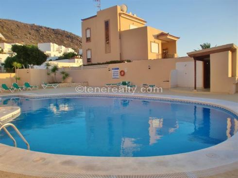 Townhouse 336000 Euros 3 Bedrooms 3 Bathrooms Reference 300-473 Build: 199 m2