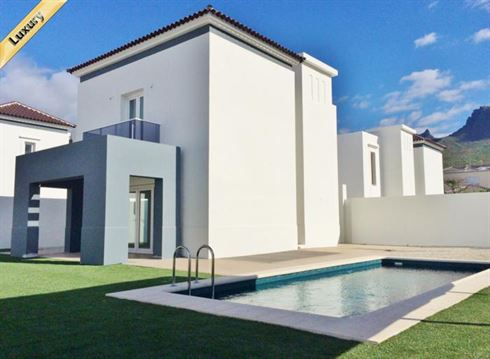 Villa 390000 Euros 3 Bedrooms 2 Bathrooms Reference 300-477 Build: 230 m2