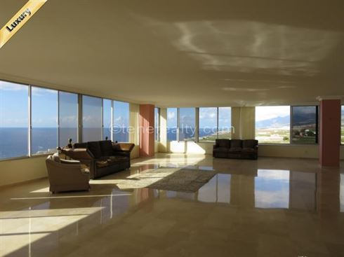 Penthouse 695000 Euros 3 Bedrooms 3 Bathrooms Reference 300-478 Build: 350 m2