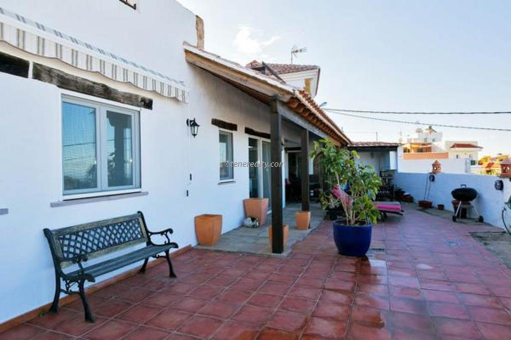 Villa 429000 Euros 3 Bedrooms 3 Bathrooms Reference 300-495 Build: 210 m2