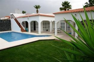 Villa 450000 Euros 4 Bedrooms 3 Bathrooms Reference 400-436 Build: 200 m2