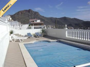 Villa 630000 Euros 4 Bedrooms 4 Bathrooms Reference 400-471 Build: 250 m2