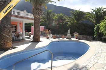 Villa 925000 Euros 4 Bedrooms 3 Bathrooms Reference 400-517 Build: 233 m2