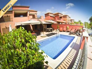 Villa 640000 Euros 4 Bedrooms 4 Bathrooms Reference 400-551 Build: 215 m2
