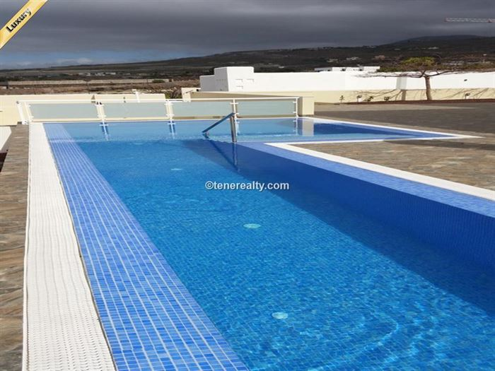Villa 1200000 Euros 4 Bedrooms 3 Bathrooms Reference 400-590 Build: 560 m2
