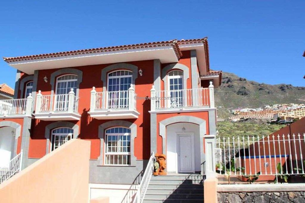 Villa 420000 Euros 3 Bedrooms 3 Bathrooms Reference 400-595 Build: 200 m2