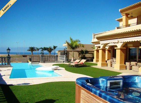 Villa 1980000 Euros 4 Bedrooms 4 Bathrooms Reference 400-601 Build: 326 m2