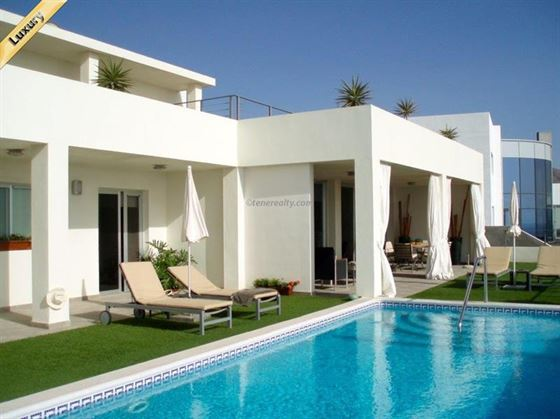 Villa 1850000 Euros 4 Bedrooms 4 Bathrooms Reference 400-602 Build: 455 m2