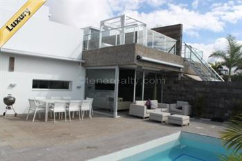 Villa 1550000 Euros 5 Bedrooms 4 Bathrooms Reference 500-108 Build: 270 m2