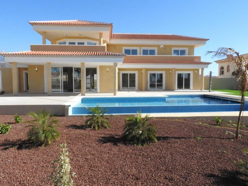 Villa 950000 Euros 5 Bedrooms 3 Bathrooms Reference 500-115 Build: 291 m2