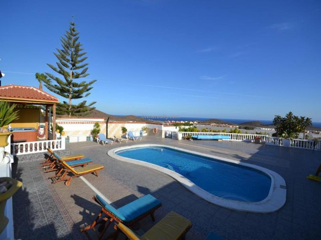 Villa 790000 Euros 5 Bedrooms 4 Bathrooms Reference 500-116 Build: 235 m2