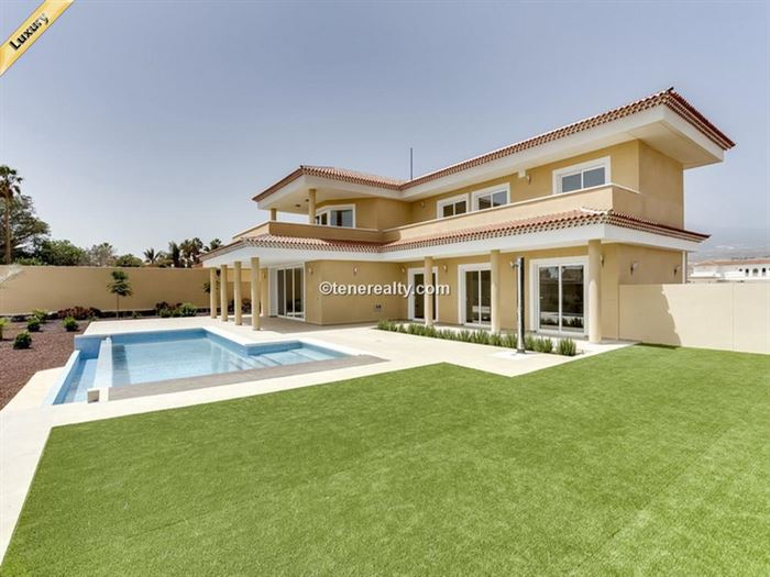 Villa 950000 Euros 5 Bedrooms 3 Bathrooms Reference 500-117 Build: 291 m2