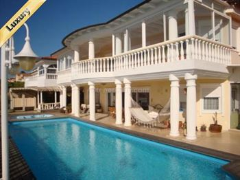 Villa 2400000 Euros 6 Bedrooms 6 Bathrooms Reference 600-079 Build: 360 m2