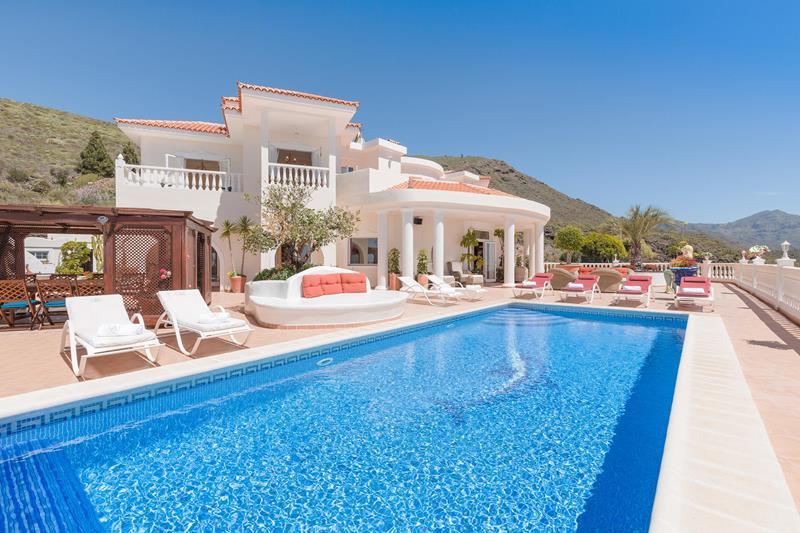 Villa 1995000 Euros 9 Bedrooms 7 Bathrooms Reference 600-081 Build: 840 m2